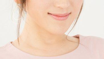 消えない治らないニキビ跡の赤み、シミや赤い点の膨らみに対応する皮膚科治療とは
