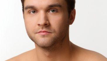 男性の胸毛にオススメの脱毛!回数や痛み、金額・値段は?